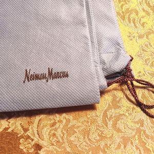 "Neiman Marcus duster bag 24""×23"""